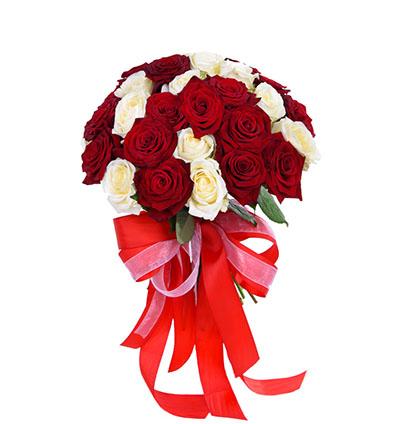 Букет 35 красных и белых роз