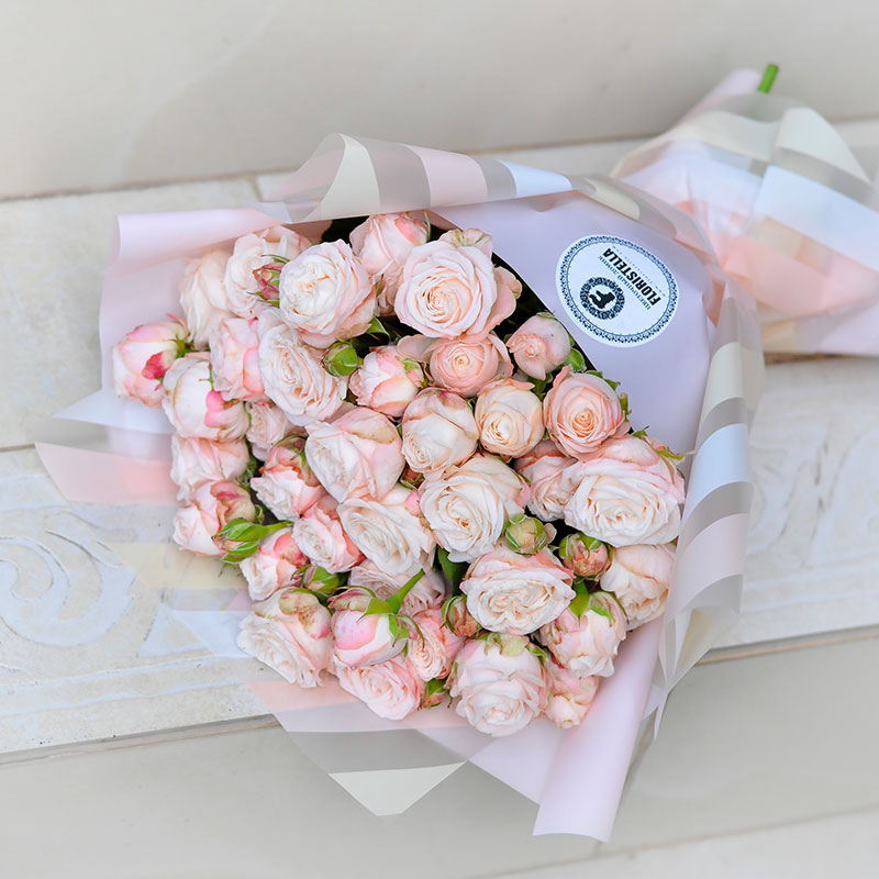 Букет пионовидных роз, Нежный цвет