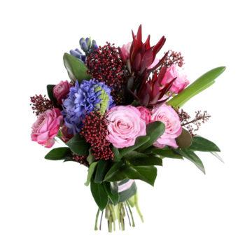 Букет из роз, гиацинта и зелени Цветочный рай