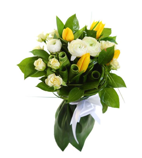 Букет роз, тюльпанов и ранункулюсаов