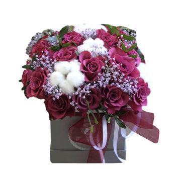Lovely box с винной розой и гиперикумом