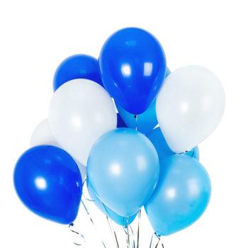 Композиция из белых и голубых гелиевых шаров