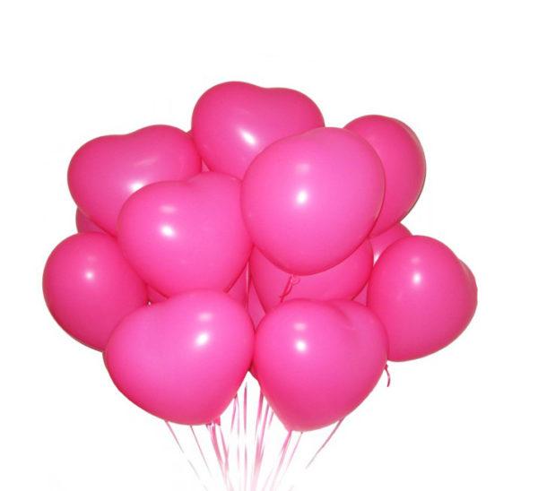 Композиция из розовых шариков сердечек