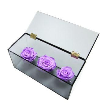 Три лиловых розы в Ларце