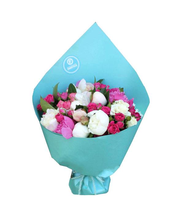 Букет кустовых роз и пионов Садовый шик