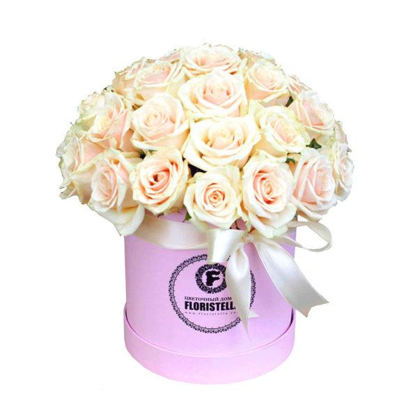 Шляпная коробка с кремовой розой