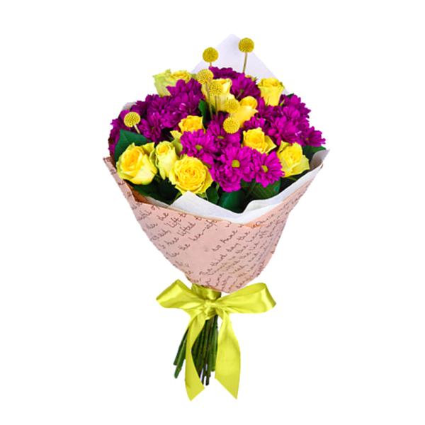 Букет желтых роз и хризантем