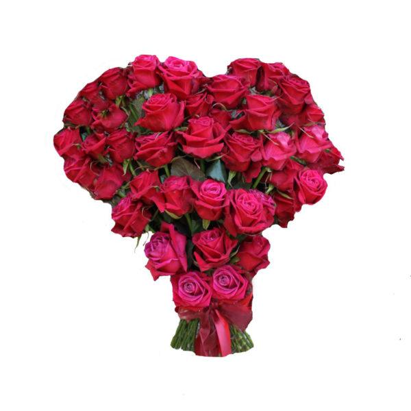 Букет из 51 розы в форме сердца