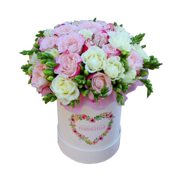 Шляпная коробка с розами весенний кидс