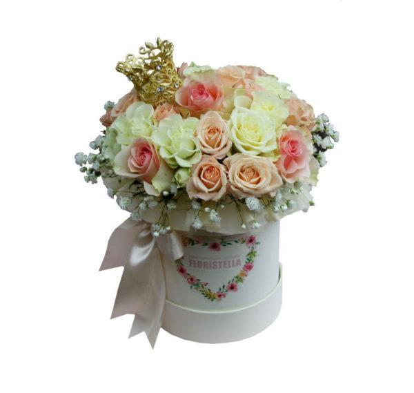 Шляпная коробка с розами моей принцессе